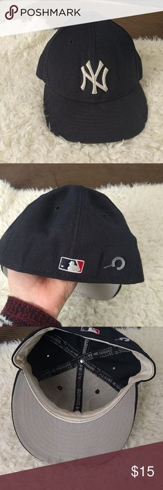 New York Yankees navy blue baseball hat Authentic Collection 100% wool, 6.75. slight discoloration from wear to brim, overall good used condition New Era Accessories Hats