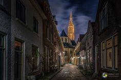Wow...wij smelten bij het bekijken van deze foto's. Delft leent zich zo goed voor het maken van mooie beelden, ook bij nacht.