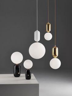 Luminárias de Mesa e Pendente. Designer:  Jaime Hayon / Parachilna.