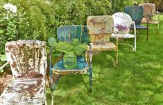 vintage metal lawn chairs Vintage Metal Chairs, Metal Lawn Chairs, Metal Outdoor Chairs, Outdoor Decor, Outdoor Living, Vintage Patio, Outdoor Projects, Outdoor Ideas, Garden Projects