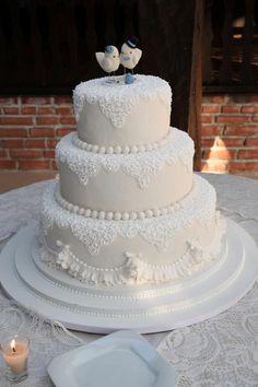Bolo de casamento Elegant Wedding Cakes, Beautiful Wedding Cakes, Wedding Cake Designs, Beautiful Cakes, Dream Wedding, Fake Cake, White Cakes, Couture Cakes, Engagement Cakes