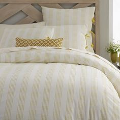 Dotted Stripe Duvet Cover + Shams http://rstyle.me/n/i5hc9r9te