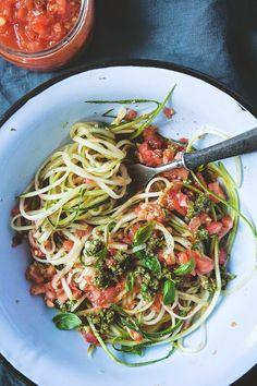 Witariańskie spaghetti z cukinii » Jadłonomia