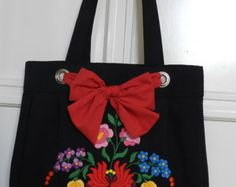 Marguerite denim bag Hand embroidery shoulder by Hungarianhouse