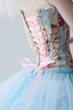 **Lace up dress