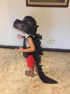Diy Dinosaur Costume, Dyi Costume, Costume Ideas, Halloween Costumes, Godzilla Costume, Hubble Bubble, Family Costumes, Book Week, Puppets