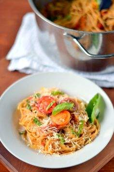 This 1 pot pasta is so delicious! Made with whole wheat pasta and fresh tomatoes it's a healthy and fast dish to make!