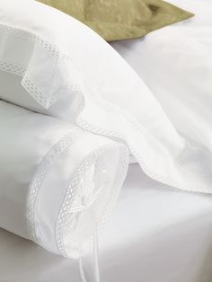 Antonia collection by Eastern Accents. 600 thread count sateen. Italian fine linen.