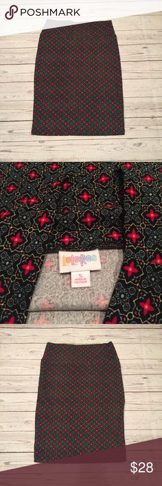 Geometric flower printed LulaRoe Cassie skirt Beautiful LulaRoe geometric printed multi color Cassie skirt. In perfect condition, new without tags. Never washed or worn. Perfect skirt for work or the weekend, can be dressed up or down. Price is firm. LuLaRoe Skirts Pencil
