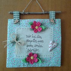 Miniature Quilts, Wooden Plaques, Quilted Wall Hangings, Antique Dolls, Baby Quilts, Textile Art, Fabric Crafts, Diy And Crafts, Projects To Try