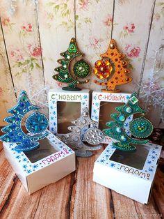Christmas Jesus, Christmas Gift Tags, Christmas Items, Christmas Art, Handmade Christmas, Christmas Tree Ornaments, Christmas Mandala, Painted Ornaments, Christmas Drawing