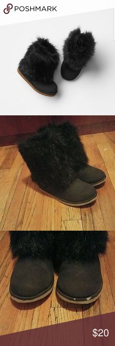 GAP FAUX Boots for KIDS Awesome pair of faux fur boots for girls with black fur on outside and zipper on back, worn has few scuffs but in great condition GAP Shoes Boots