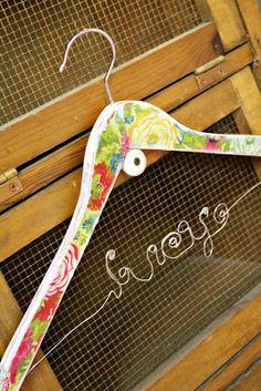 Craft-e-Corner Blog * Celebrate Your Creativity: Great Gift Idea! Vintage Wire Name Hanger Tutorial- Part 1