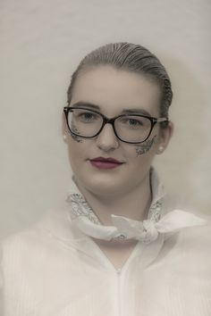 Die Methode, das Musiktheater Premiere – fotoZitt Theater, Eyes, Glasses, Photos, Music, Photo Illustration, Eyewear, Eyeglasses, Theatres