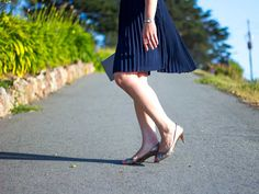 Glitter blush blouse & navy pleated skirt   pink and silver clutch   gold peep toe heels   www.shoppingmycloset.com