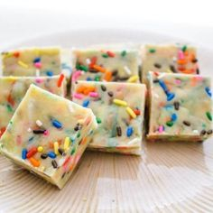 Cake Batter Fudge - See how to meka this no bake fudge taste EXACTLY like cake batter.