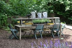love this........nice idea to have the bench on top of table until you need it for seating!