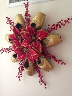 Pointe Shoe Christmas Wreath Holiday Ballet by PointeBlankDesigns Ballet Crafts, Ballet Decor, Dance Crafts, Shoe Crafts, Pointe Shoes, Ballet Shoes, Ballet Dancers, Christmas And New Year, Christmas Crafts