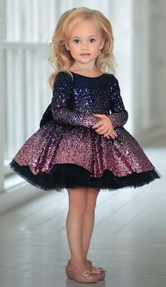 Birthday dress for baby girl 63 Ideas Childrens Party Dresses, Baby Girl Party Dresses, Kids Outfits Girls, Little Girl Dresses, Girls Dresses, Flower Girl Dresses, Baby Girl Frocks, Frocks For Girls, Kids Frocks