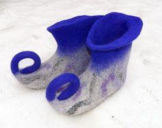 Chaussons feutrés bleus et gris chaussures Elf maison Gnom chaussures par Ulga sur Etsy https://www.etsy.com/fr/listing/222127988/chaussons-feutres-bleus-et-gris