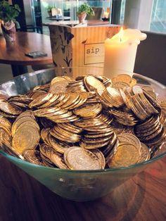 #gold #coins @thedriftbar Liverpool Street, Gold Coins, Stuffed Mushrooms, Vegetables, Photos, Food, Stuff Mushrooms, Vegetable Recipes, Eten