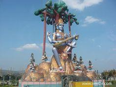 Statue of Lord Dakshinamurthy with veena