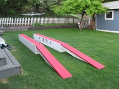 If you like to work on your truck at home, check out these fantastic DIY ramps I found on a Canadian Corvette site. They're made out of (two next to each other for the top surface) with … Garage Shed, Garage Tools, Garage House, Diy Garage, Garage Workshop, Workshop Ideas, Diy Car Ramps, Truck Ramps, Outdoor Projects