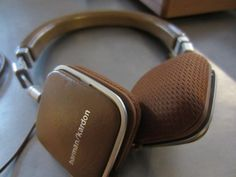 Harman Kardon Soho headphones lose weight, sound great