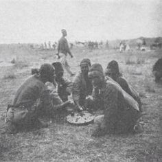 Mombasa Swahili porters having there meal during the East Africa railway construction 1896 Mombasa, East Africa, Uganda, Kenya, Safari, The Past, Meal, Construction, Culture
