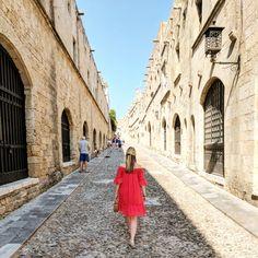 Rhodes Old Town, Greece #rhodes #greece #rhodesoldtown #unesco #travel #islandhopping #fashioninspo