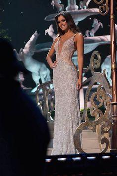 Confiram os looks bafônicos das 10 Misses finalistas no desfile de gala no Miss Universo 2015