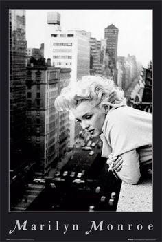 Marilyn Monroe (w oknie) - plakat | Sklep ePlakaty.pl