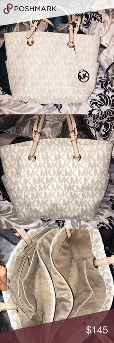 MICHAEL KORS HANDBAG Authentic & Pre-loved MICHAEL KORS Handbag in perfect condition! Only a very unnoticeable piling on the bottom as seen in last picture! Sexy and cute for everyday use! Michael Kors Bags Shoulder Bags