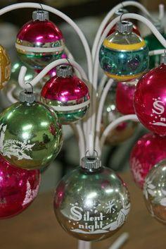 Mamie Jane's: Shiny Brite Ornament Tree