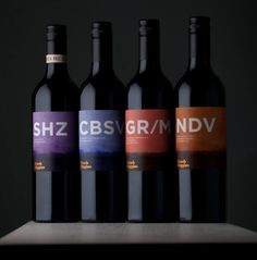 Brash Higgins wine produced by Omensetter, a vineyard of red-brown clay and sandstone located in McLaren Vale (Australia). The bottle's labels, created by design agency Swear Words, capture the earthy flavours of the wine, handcrafted clay amphoras. PD