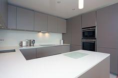 Basalt grey kitchen with peninsula