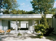 bungalow by Eduard Ludwig | THE ICONIST #berlin #hansaviertel #architecture #50s