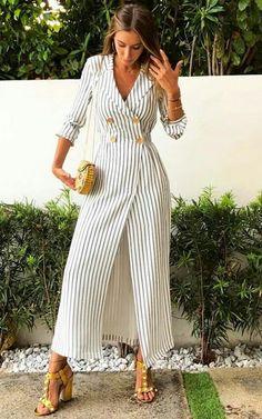 Lush party dress 👠 Stylish outfit ideas for women who love fashion! Lush party dress 👠 Stylish outfit ideas for women who love fashion! Mode Ootd, Mode Hijab, Floral Skater Dress, Striped Dress, Dress Black, Classy Outfits, Stylish Outfits, Skirt Fashion, Fashion Dresses