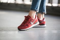 Nike - WMNS Internationalist Premium (red / purple) - 828404-600