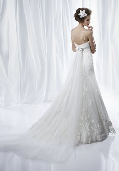2251 Wedding Dress (Back) – Benjamin Roberts 2012 Collection