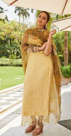 Indian Fashion Dresses, Dress Indian Style, Indian Outfits, Fashion Outfits, Modest Fashion, Stylish Dress Designs, Designs For Dresses, Pakistani Dress Design, Pakistani Dresses