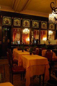EAT LIKE AN ITALIAN | Baratti & Milano Caffe - Torino #LearnItalian #theparlayway ParlayVacay.com