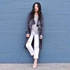 Wondering what to wear with white jeans? We're loving this look.