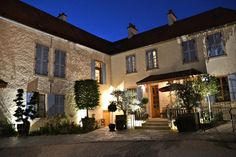 Book Les Deux Chevres, Gevrey-Chambertin on TripAdvisor: See 143 traveler reviews, 201 candid photos, and great deals for Les Deux Chevres, ranked #1 of 4 hotels in Gevrey-Chambertin and rated 5 of 5 at TripAdvisor.