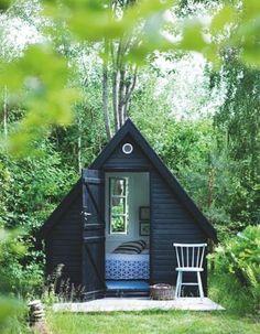 stunning finnish micro cabin built for just 10 500 oliver hus och inspiration. Black Bedroom Furniture Sets. Home Design Ideas