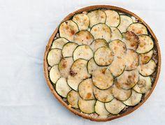 Tarte au sarrasin, aux courgettes, thon et parmesan
