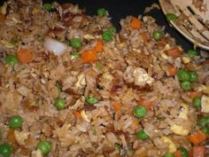 Benihana Japanese Fried Rice Recipe- this recipe needs garlic (maybe two tsp. Garlic is always added when I watch the fried rice being made at Benihana. Rice Recipes, Asian Recipes, New Recipes, Dinner Recipes, Cooking Recipes, Favorite Recipes, Recipies, Copycat Recipes, Cooking Ideas