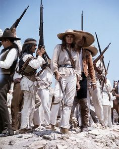 RAQUEL WELCH 100 RIFLES FULL LENGTH WITH BANDITS PHOTO OR POSTER