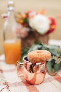 Trade in that girls shopping trip for a little autumn face time like this shindig from Chrissy McDonald and Torrey Fox. Copper Mugs, Autumn Garden, Autumn Theme, Holidays And Events, Fall Recipes, Girlfriends, I Am Awesome, Girls Shopping, Ethnic Recipes