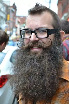 A full and lovely beard. On a side note, HOLY COW those are some serious Harry Caray specs. I Love Beards, Grey Beards, Long Beards, Awesome Beards, Hipster Beards, Sexy Beard, Epic Beard, Moustaches, Crazy Beard